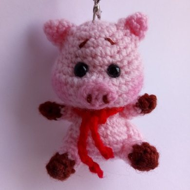 Свинка брелок крючком