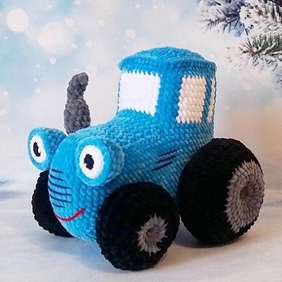Трактор крючком