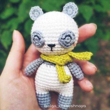 Вязаная панда крючком