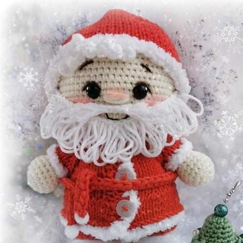 Вязаная кукла пупс Дед Мороз
