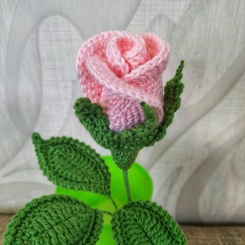 Вязаная роза крючком