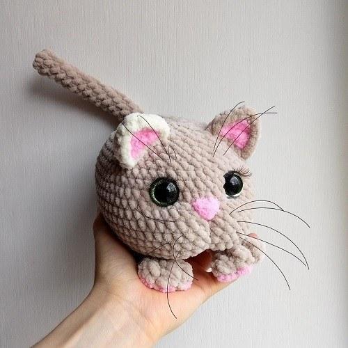 Плюшевый котик крючком