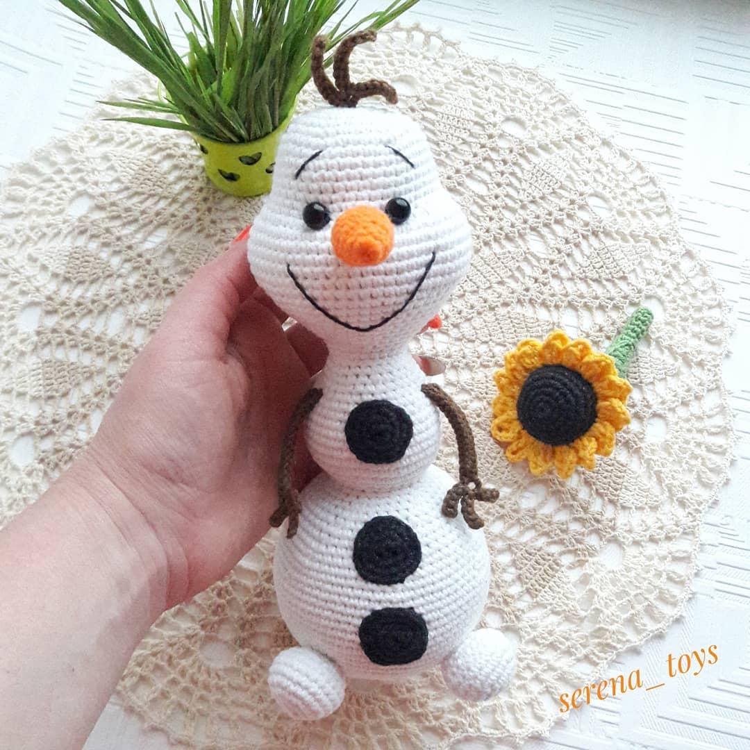 Вязаный снеговик Олаф