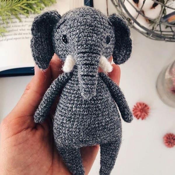 Вязаный слон крючком
