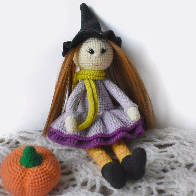 Вязаная кукла ведьмочка